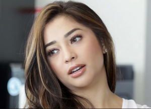 artis muda cantik nikita willy
