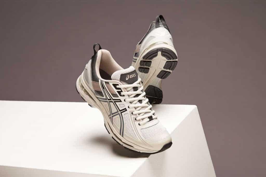 Seri sneakers lain yang sedang banyak menjadi perbincangan serta buruan c18c5f31b3