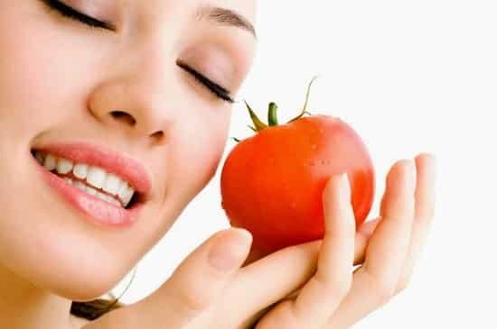 Tips atasi jerawat dengan Tomat