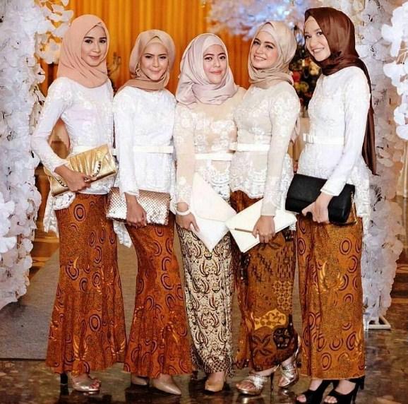 Kebaya Modern Hijab.
