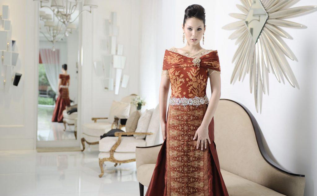 Model Baju Dres Batik Kombinasi Brokat.