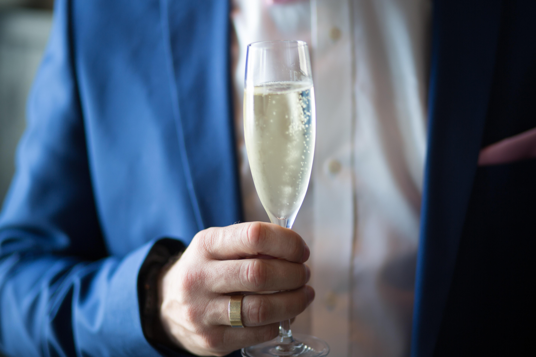 Setelan formal blazer untuk menghadiri pesta