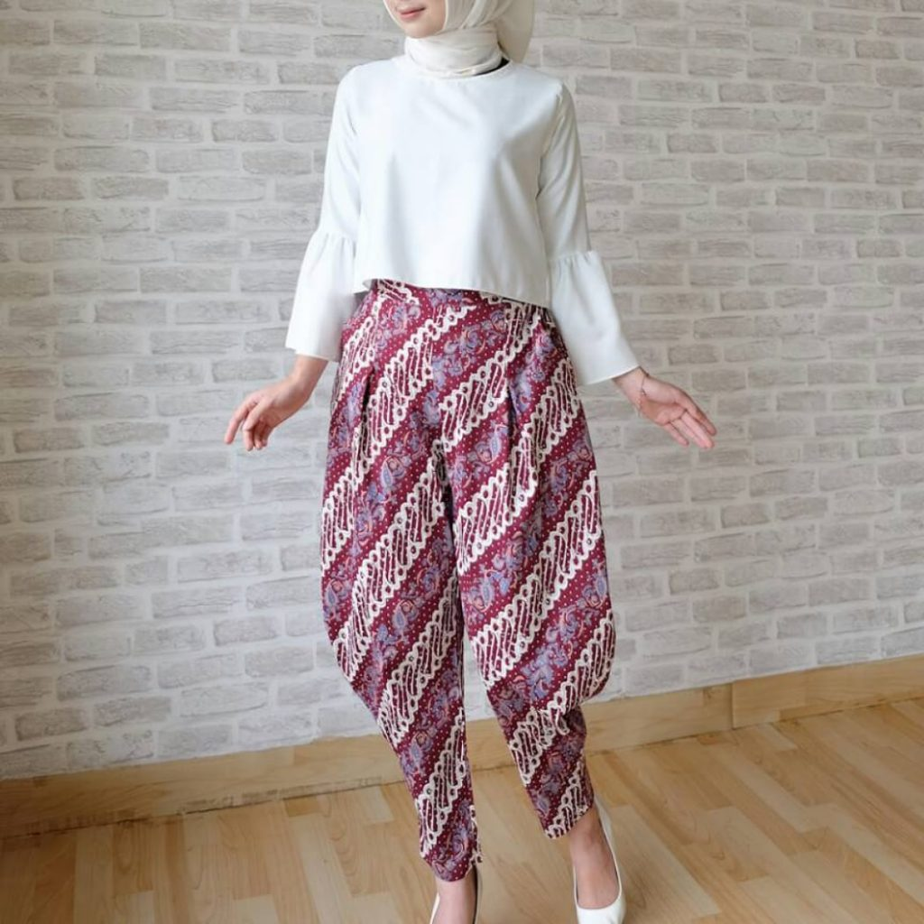 divine fashion holic celana batik samurai maroon.