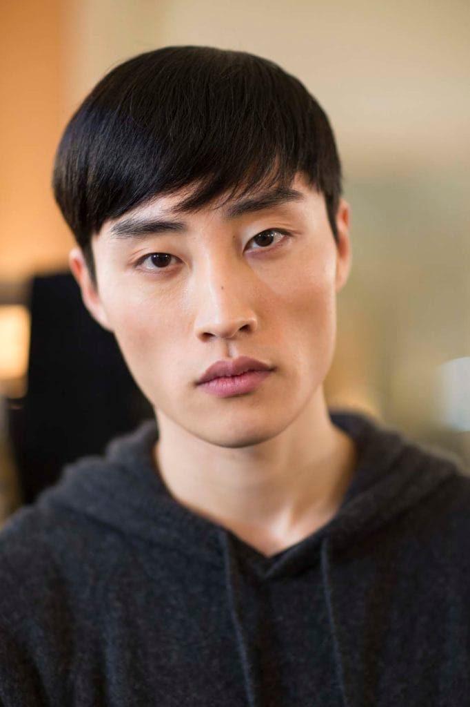13 Gaya Rambut Pria Ala Artis Korea Terbaru Terpopuler 2019 Dans