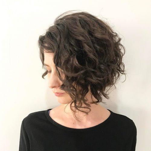 gaya rambut bob keriting wanita