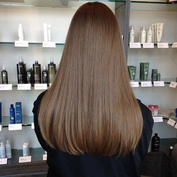 Blunt Cut Long Hairstyle Wanita